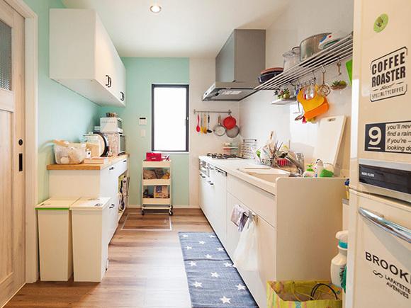 キッチンも、小物でカリフォルニア風に。