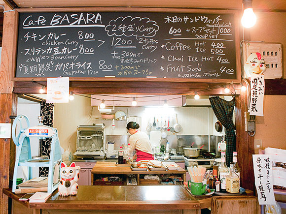 Basara Houseでは、営業日や時間によって複数のお店を切り盛りしている