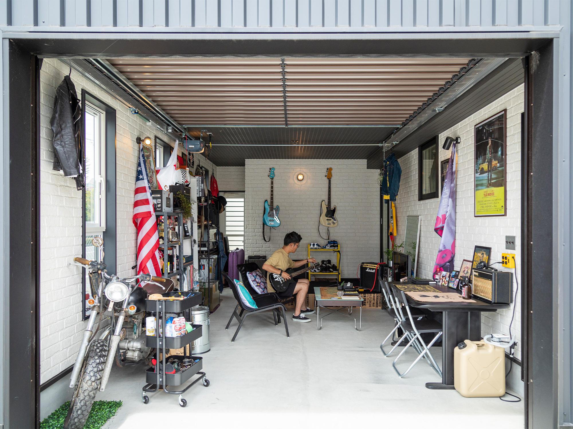 車は入れず、趣味部屋にしたガレージ。