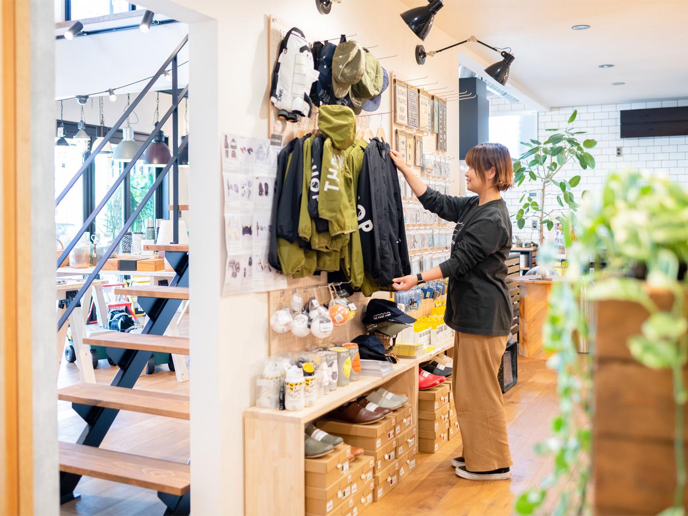広報担当の廣瀬さん。現在は、店舗の商品仕入れにも携わっている。