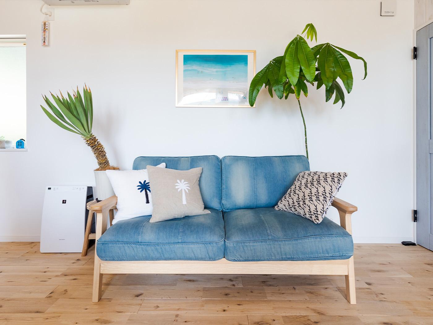 WTWのデニム地のソファ。