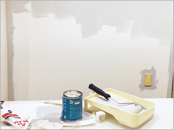 養生とはペンキを塗らないところに塗料が付かないよう保護すること。