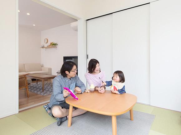 畳の+BOXはお子さまとの遊び場に。