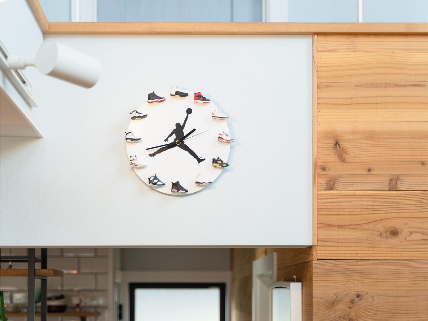 バスケ好きなご主人様お気に入りの壁掛け時計。