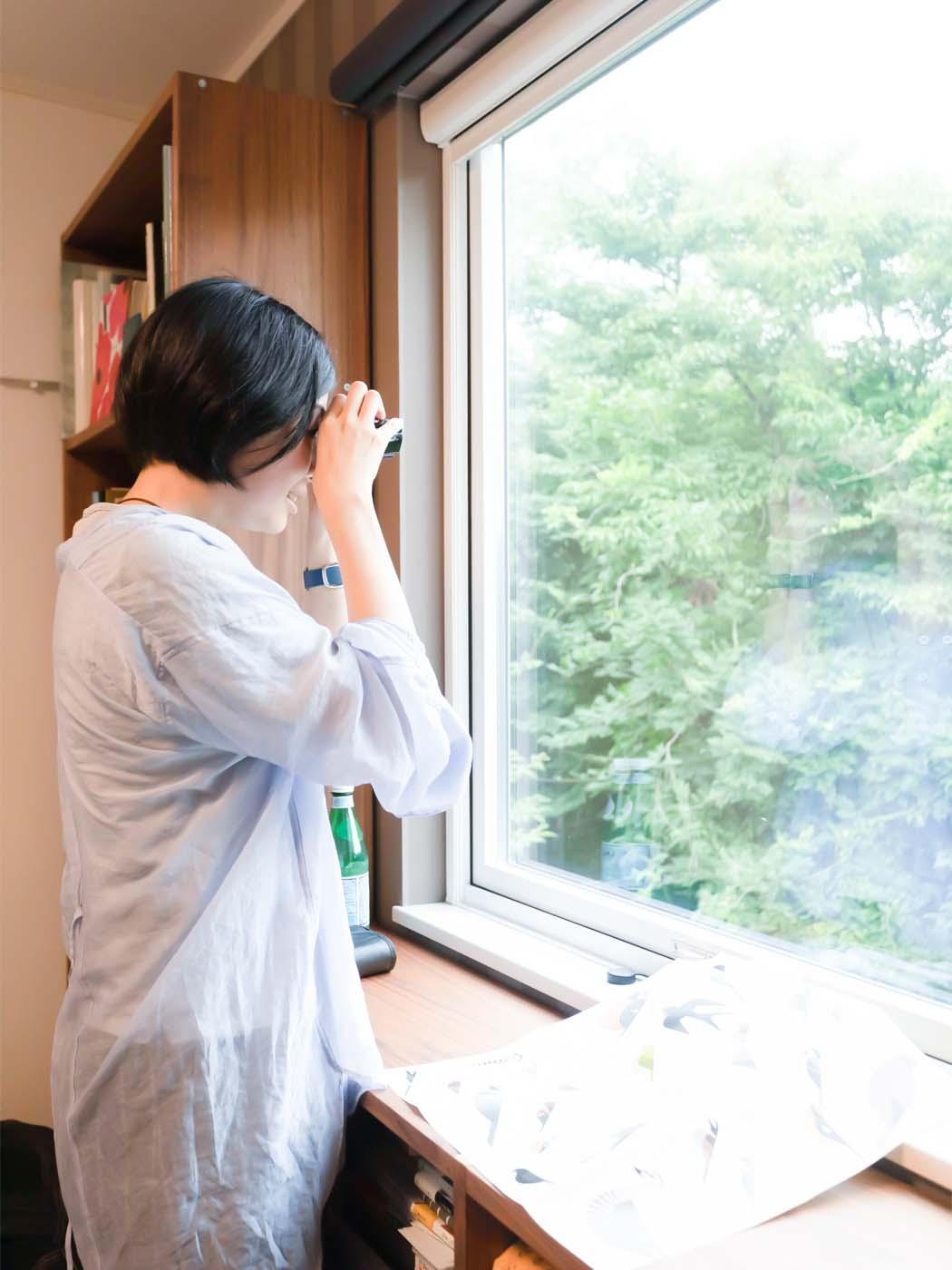 窓からバードウォッチングができるのも、この家の魅力。