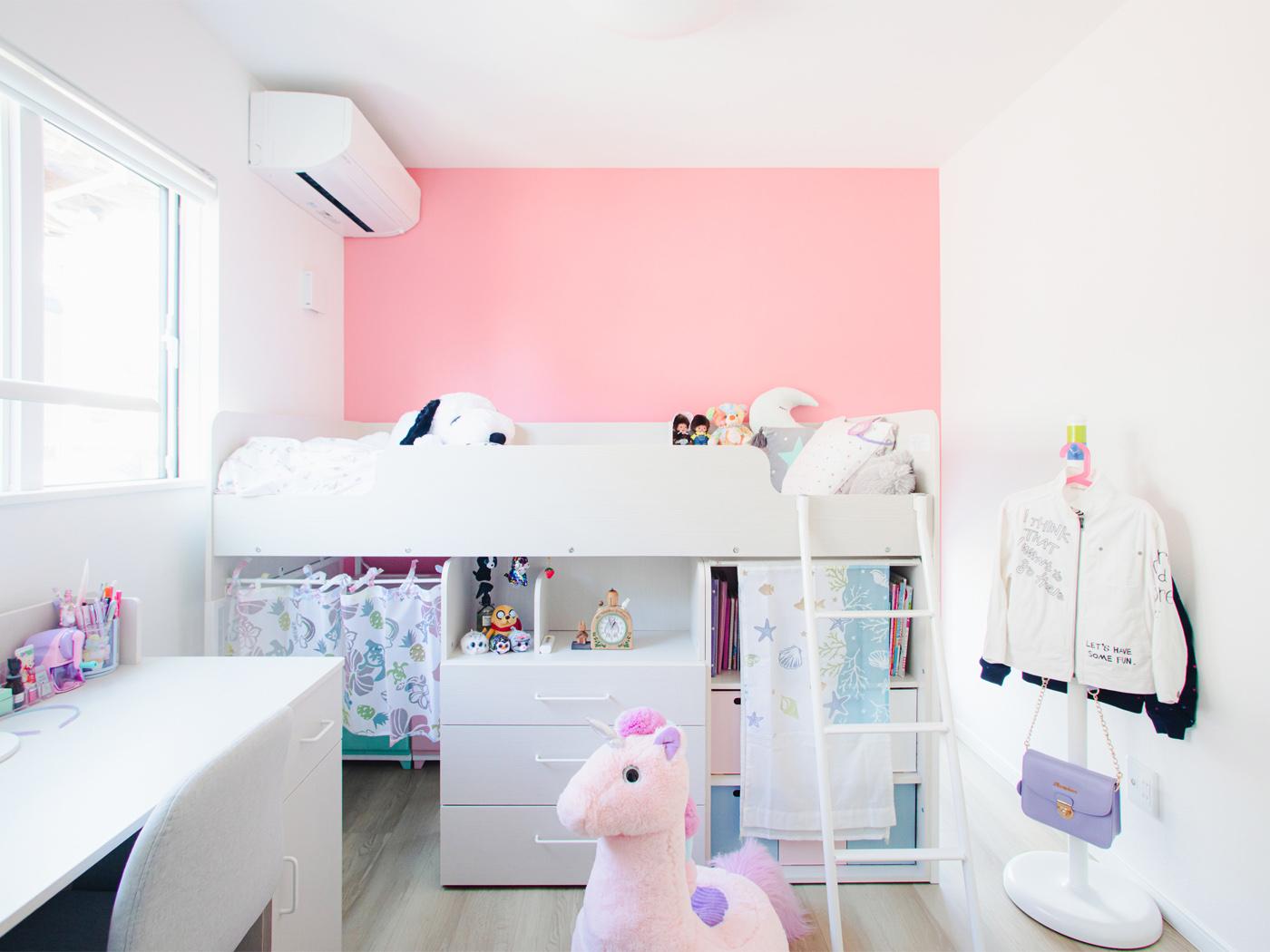 娘さんの部屋。