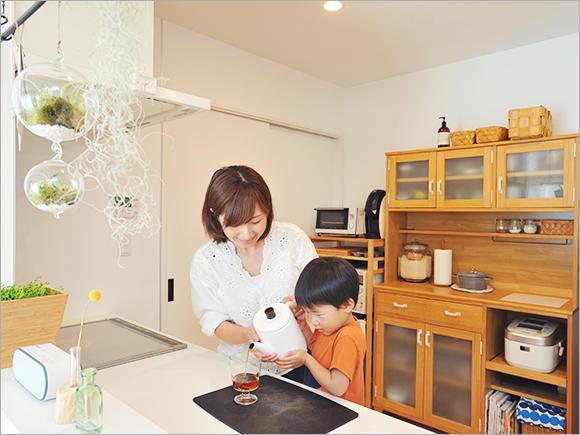 アパート時代はできなかった子どもとの料理も楽しめるように。