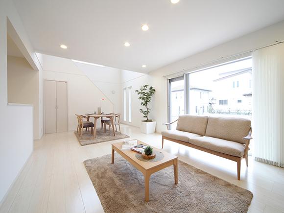 ZERO-CUBEの託児付き完成見学会を行います!グッドデザイン賞を受賞した1000万円のデザイン住宅を見学できるチャンスです。高品質でローコストになる理由をお知りになりたい方は、ぜひご来場ください。