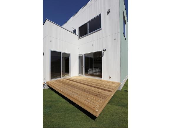 1,000万円のスタイリッシュな家をベースに、こだわりや楽しみをプラスするデザイナーズ規格住宅「ZERO-CUBE」。その3LDKの「ZERO-CUBE」をベースに、家族構成やライフスタイルに合わせてさらに1部屋増やした「ZERO-CUBE+BOX」が長崎市入船町に完成します!ぜひこの機会にZERO-CUBE+FUNをご体感ください!   ※写真はイメージです。