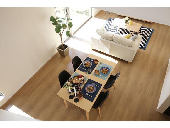 Good Design賞を受賞した ZERO-CUBE+FUNのスタンダードモデルを公開 1000万円からの家づくり ちょうどいい家が見つけられる +FUNシリーズの家づくりを 是非ご覧ください