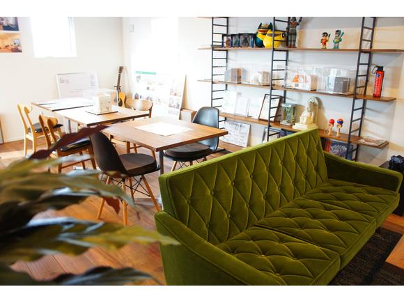 鳥取市浜坂にあるホーム&ベース一級建築士事務所のモデルハウスで、ZERO-CUBEの実物を見ながらの説明会を開催します。 ZERO-CUBEの良さ、室内の居心地、屋上の解放感など、見て・触れて・感じることができる貴重な機会です。 ぜひご参加ください。