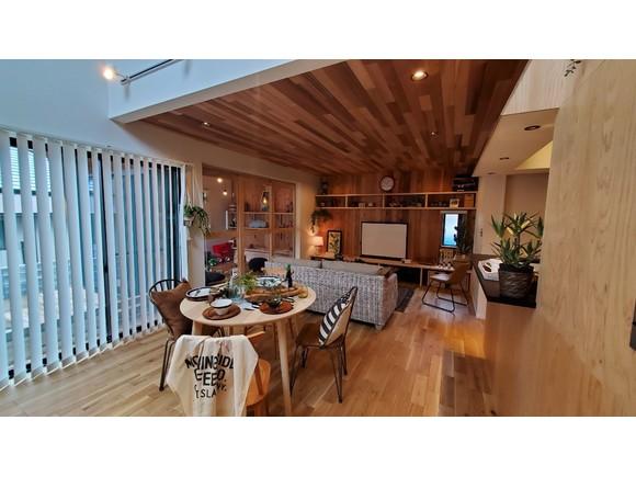 LIFE LABEL×FREAK'S STOREのコラボレーション、 FREAK'S HOUSEのデザイン、コンセプトを、人気のZERO-CUBEに詰め込んだスペシャルプラン。 秋の公式販売開始に先駆けて、当社で先行取り扱いを開始しました!